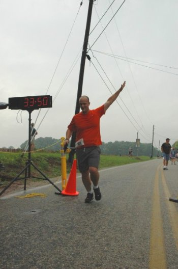 Gene Short, ex-smoker,completing a 5k run
