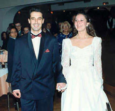 Noni Glykos was married on December 27, 1996, gave birth to her only child on December 18, 1998, and was dead of smoking induced lung cancer on June 24, 1999.